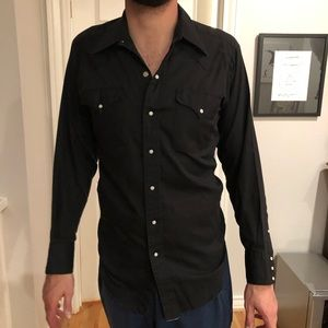 Other - Black pearl snap button down